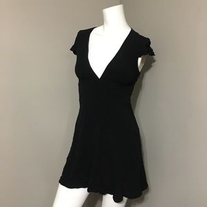 Aritzia Sunday Best Rand dress LBD